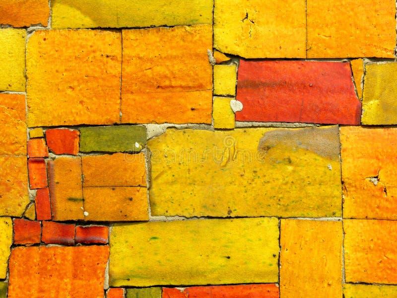 Il colore giallo copre di tegoli il mosaico - reticolo casuale fotografia stock