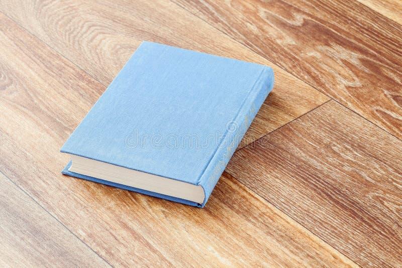 Il colore grigio del libro in una copertura costante fotografia stock libera da diritti