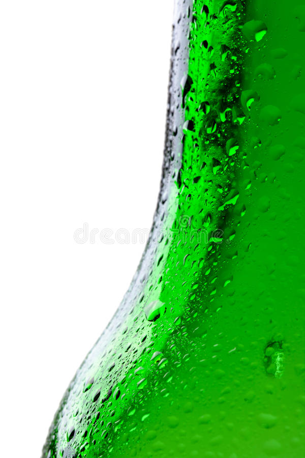 Il colpo a macroistruzione dell'acqua cade su bootle verde fotografia stock libera da diritti
