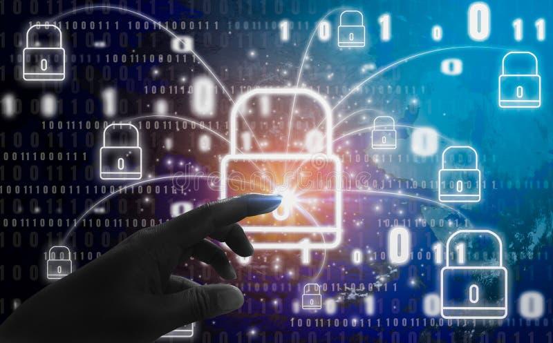 Il concetto astratto, dita sta toccando il simbolo del lucchetto, con la protezione del furto e della segretezza di identità digi immagini stock libere da diritti
