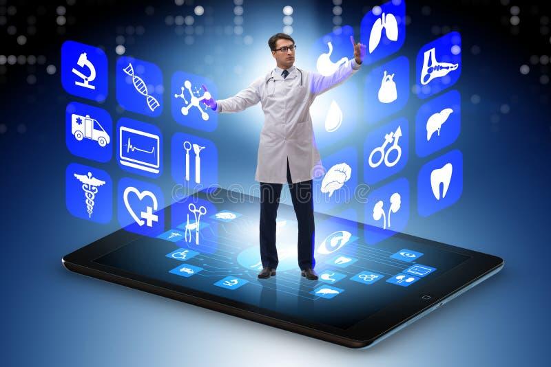 Il concetto del telehealth con medico che fa controllo generale a distanza fotografia stock