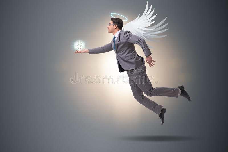 Il concetto dell'investitore di angelo con l'uomo d'affari con le ali fotografia stock