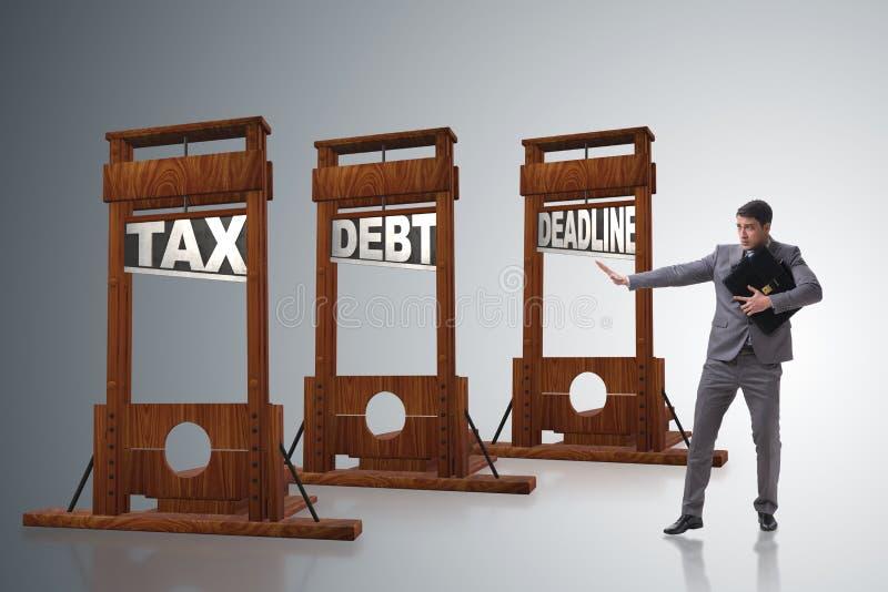 Il concetto di debito di imposta con l'uomo d'affari di pagamento recente fotografia stock libera da diritti