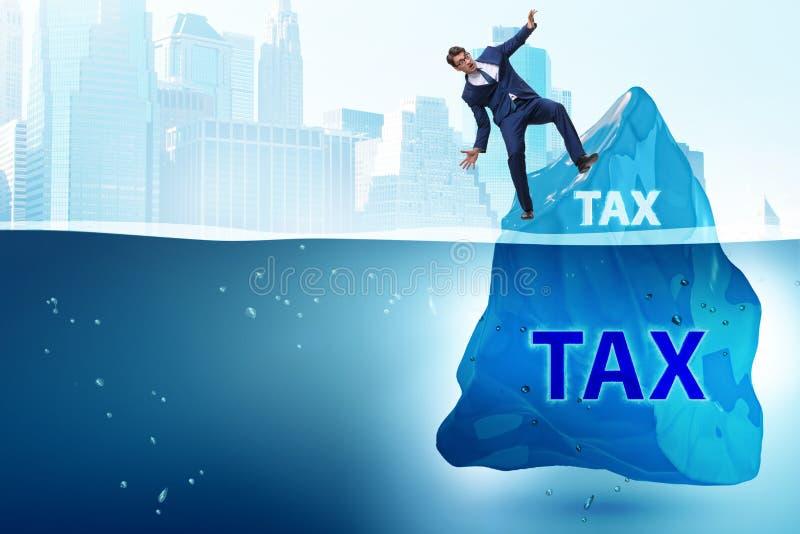 Il concetto di pagamento di imposta con l'iceberg fotografia stock libera da diritti