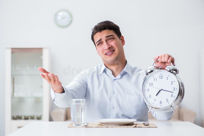 Il concetto di servizio lento in ristoranti fotografie stock