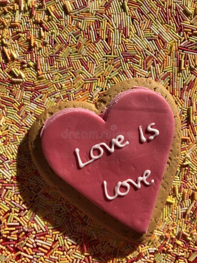 Il concetto, l'amore ed il neolatino creativi, amore è amore immagini stock libere da diritti