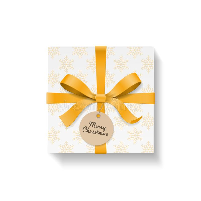 Il contenitore di regalo, il nodo dell'arco di colore dell'oro ed il nastro quadrati con il cerchio Kraft appendono l'etichetta C illustrazione di stock