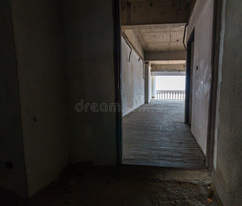 Il corridoio o la costruzione abbandonata immagini stock libere da diritti
