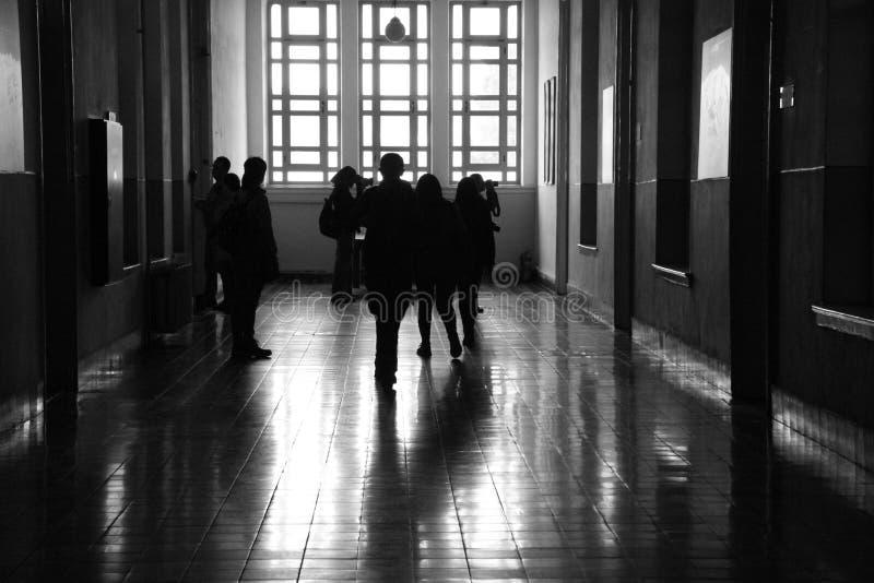 Il corridoio pieno, sheme grigio immagine stock libera da diritti