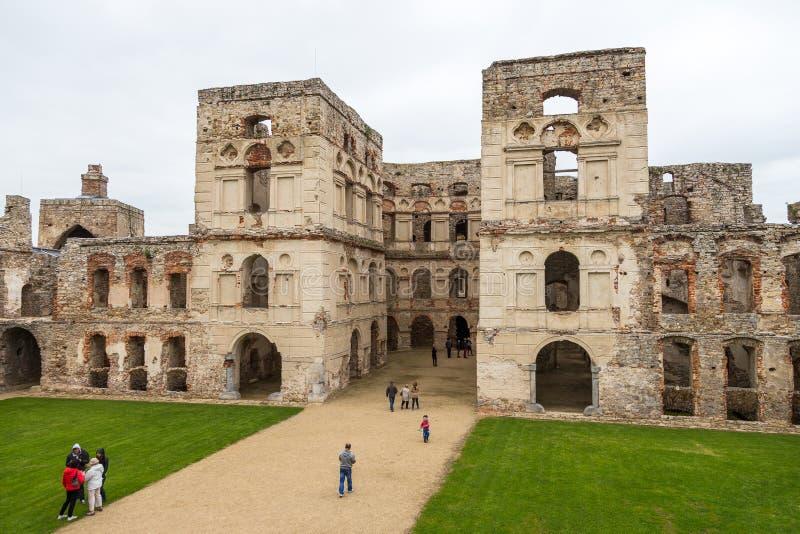 Il cortile interno del castello di Krzyztopor, Ujzad, Polonia immagini stock