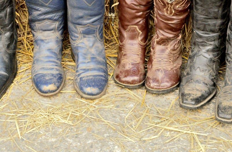 Il cowgirl sporco inizializza il modo fotografia stock