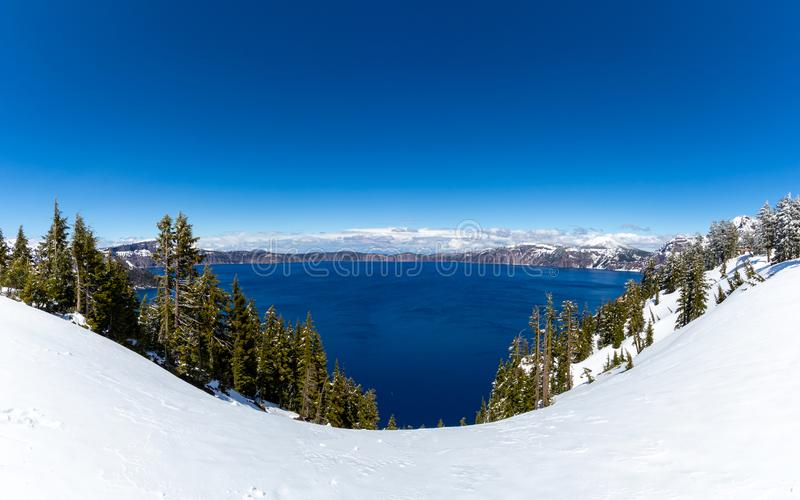 Il Crater Lake National Park è un parco nazionale americano situato nell'Oregon meridionale, quinto parco nazionale degli Stati U fotografia stock