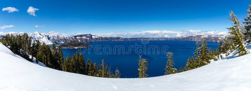 Il Crater Lake National Park è un parco nazionale americano situato nell'Oregon meridionale, quinto parco nazionale degli Stati U immagine stock libera da diritti