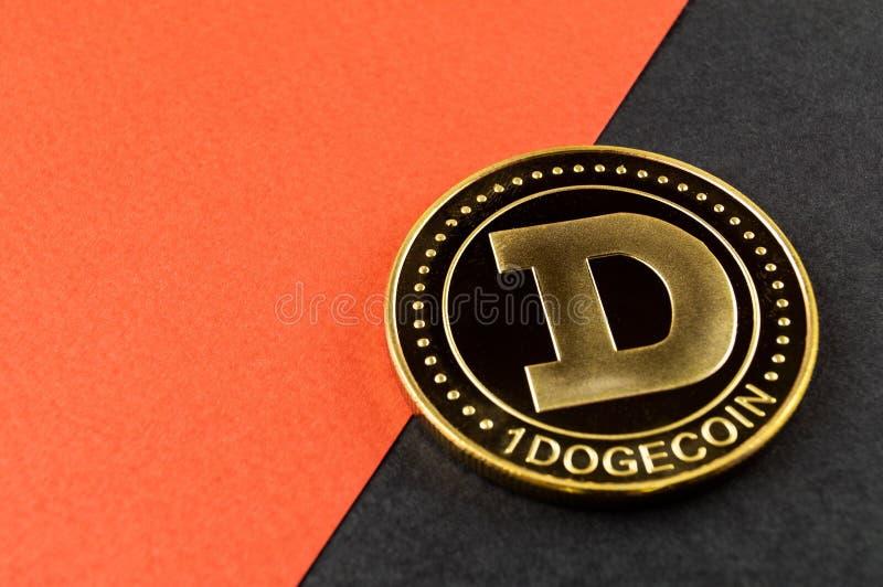 Il cryptocurrency del DOGE di Dogecoin significa del pagamento nel settore finanziario fotografia stock