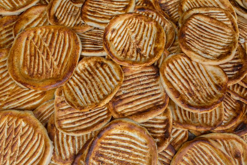 Il czhot di Ghev o roti di ki del ghi è di recente un pane tradizionale di kashmiri al forno a Srinagar fotografia stock libera da diritti