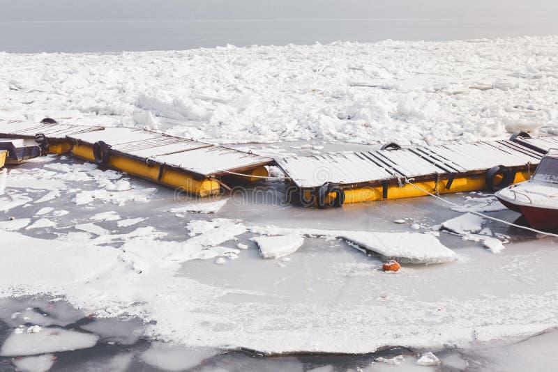 Il Danubio congelato Belgrado, Serbia immagini stock