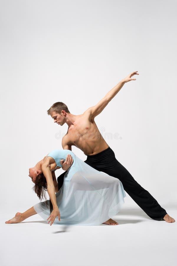 Download Il danzatore immagine stock. Immagine di posa, idoneità - 7315659
