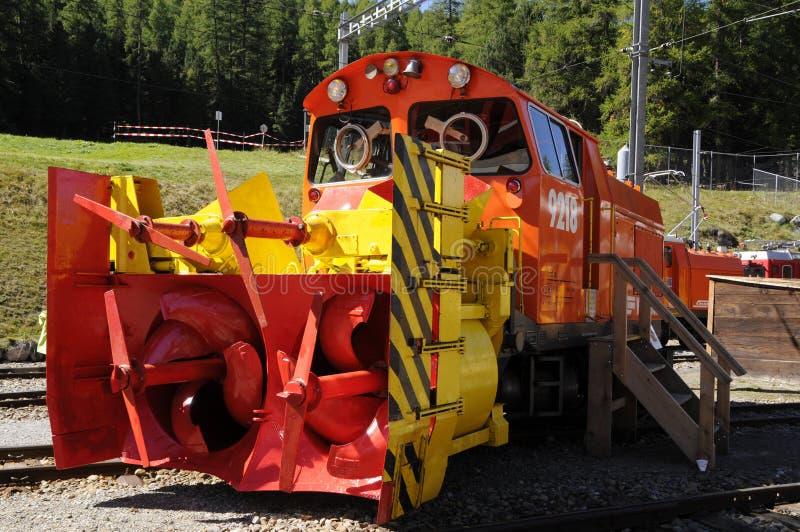 Il decespugliatore della neve di Xrot degli IST del treno di Bernina del patrimonio mondiale dell'Unesco lui il più forte nel mon immagini stock
