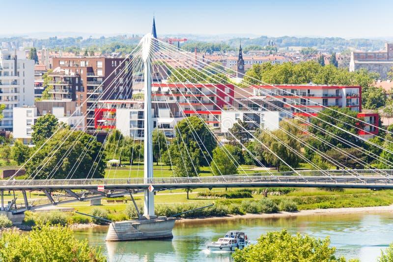 Il DES Deux di Passerelle Rives il ponte dal villaggio di Kehl fotografia stock