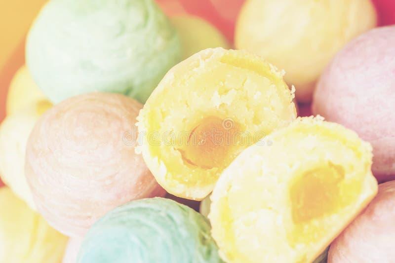 Il dessert cinese ha chiamato il Pia, dessert antico fatto da farina ai fagioli dorati schiacciati il calore bollenti farciti con immagine stock libera da diritti