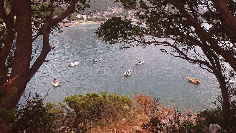 Il dettaglio della spiaggia con le barche abbellisce immagini stock