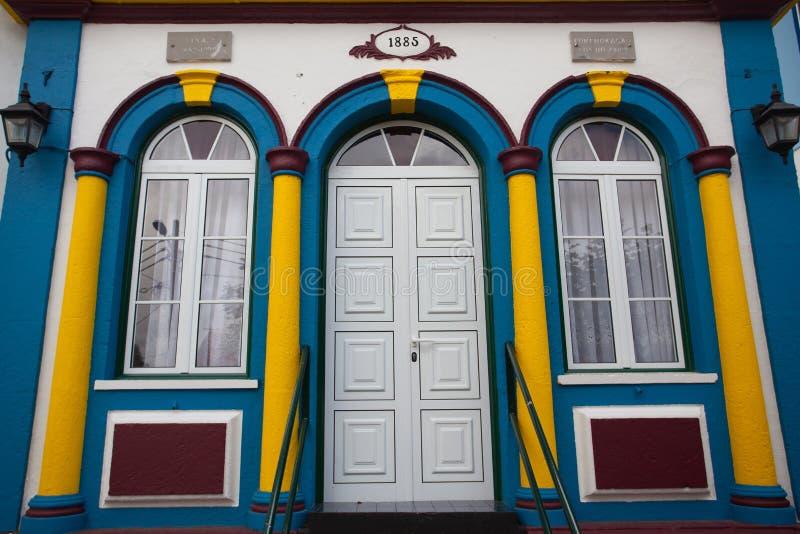Il dettaglio di piccola chiesa ha nominato il imperio in Terceira immagine stock