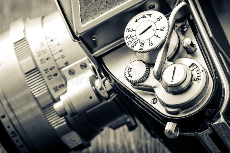 Il dettaglio di vecchia macchina fotografica classica compone nello stile d'annata immagine stock