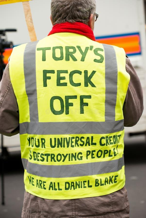 Il dimostrante giallo della maglia alla Gran-Bretagna ora è rotto elezione generale/dimostrazione a Londra fotografie stock