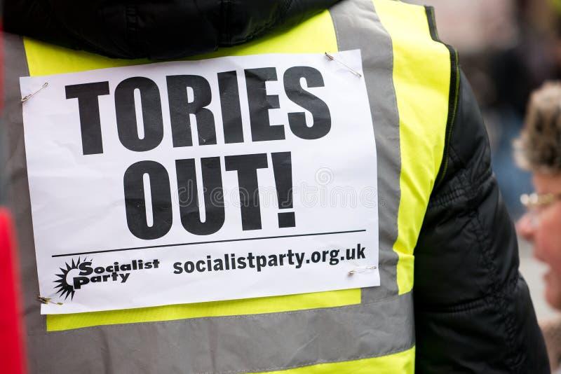 Il dimostrante giallo della maglia alla Gran-Bretagna ora è rotto elezione generale/dimostrazione a Londra immagine stock libera da diritti