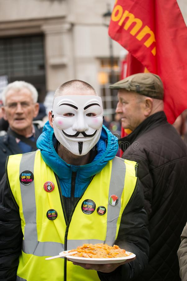 Il dimostrante giallo della maglia alla Gran-Bretagna ora è rotto elezione generale/dimostrazione a Londra immagine stock
