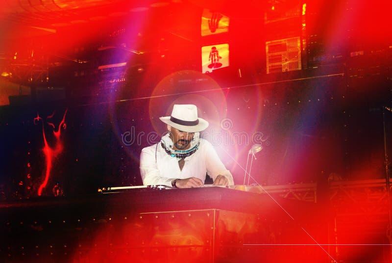Il DJ Gigi Agostino immagini stock