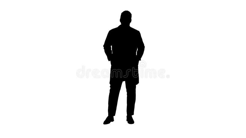 Il dottore africano maschio Standing With Hands della siluetta in sue tasche royalty illustrazione gratis