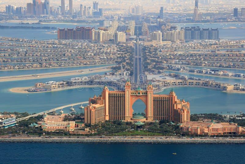 Il Dubai la fotografia di vista aerea dell'hotel di Atlantide dell'isola di palma fotografie stock libere da diritti