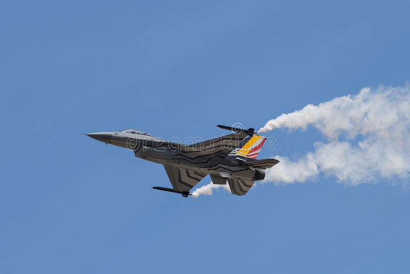 Il falco di combattimento del F-16 della General Dynamics è un velivolo di caccia di jet polivalente originale sviluppato da Gene fotografia stock libera da diritti