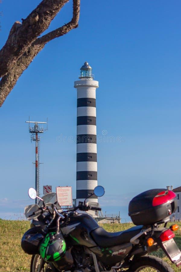 Il faro di Piave Vecchia è situato alla bocca del Sile, ha chiamato, precisamente, il porto di Piave Vecchia, nel municipa fotografie stock libere da diritti