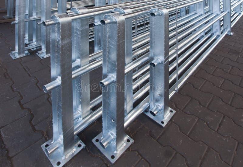 Il ferro e l'acciaio è protetti dalla zincatura a caldo fotografia stock