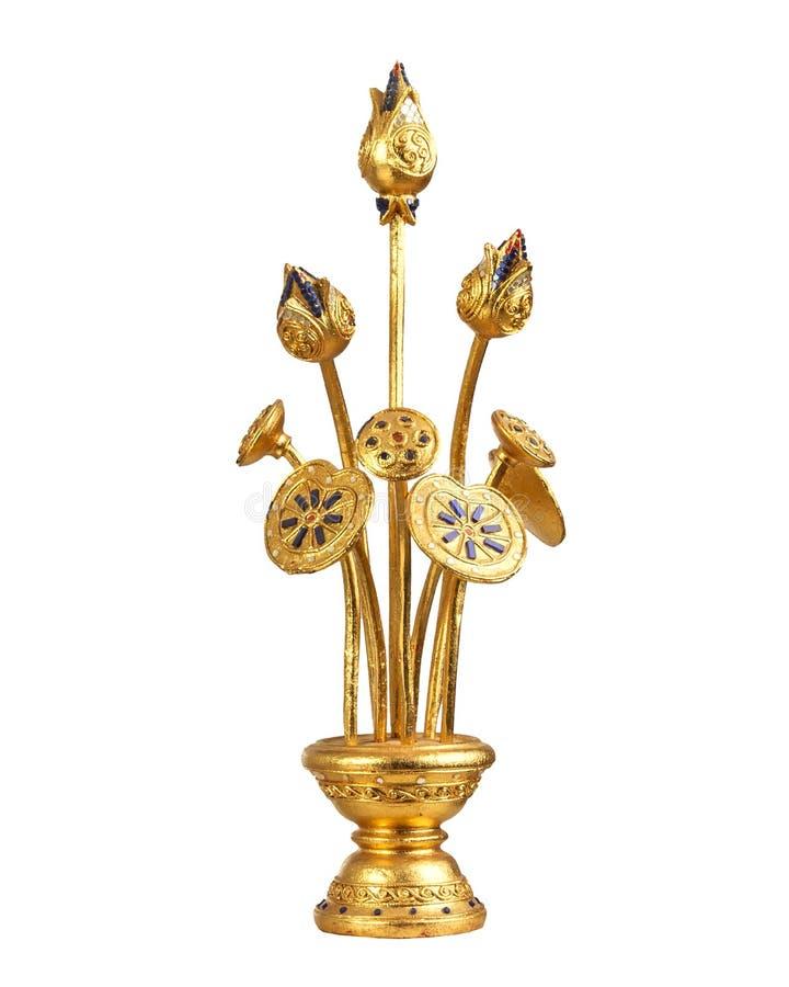 Il fiore di Lotus ha scolpito in oro immagini stock libere da diritti