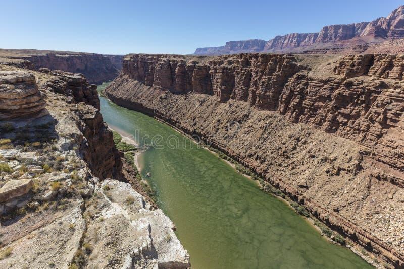 Il fiume Colorado che entra verso Grand Canyon in Arizona fotografie stock