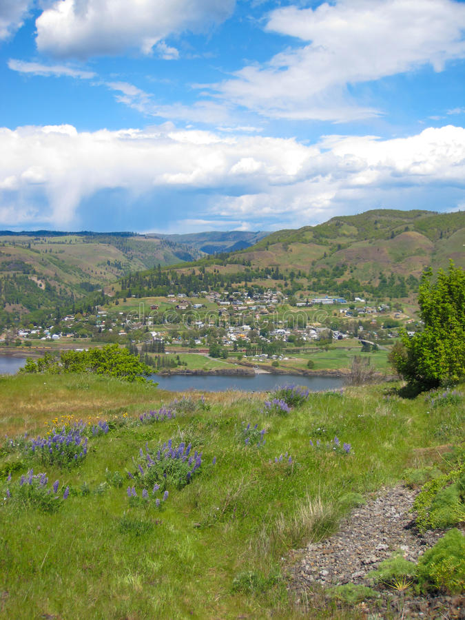 Il fiume Columbia Una bella vista dal punto di vista di panaroma fotografia stock