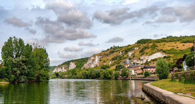 Il fiume la Senna e Les Andelys, Normandia, Francia fotografia stock