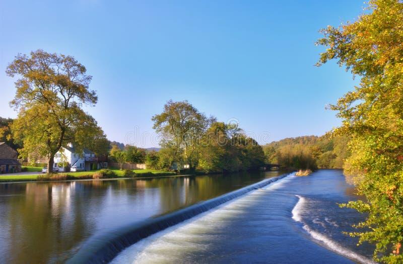 Il fiume Leven al ponticello di Newby fotografia stock
