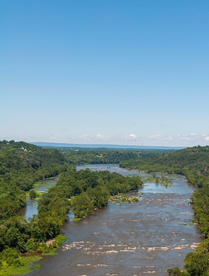 Il fiume Potomac vicino al traghetto dei Harpers, altezze ad ovest di Virginia Aerial View From Maryland trascura fotografia stock libera da diritti