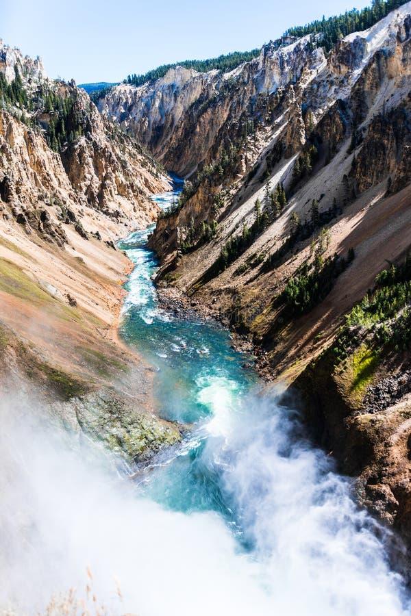 Il fiume Yellowstone a partire dalle cadute pi? basse immagini stock