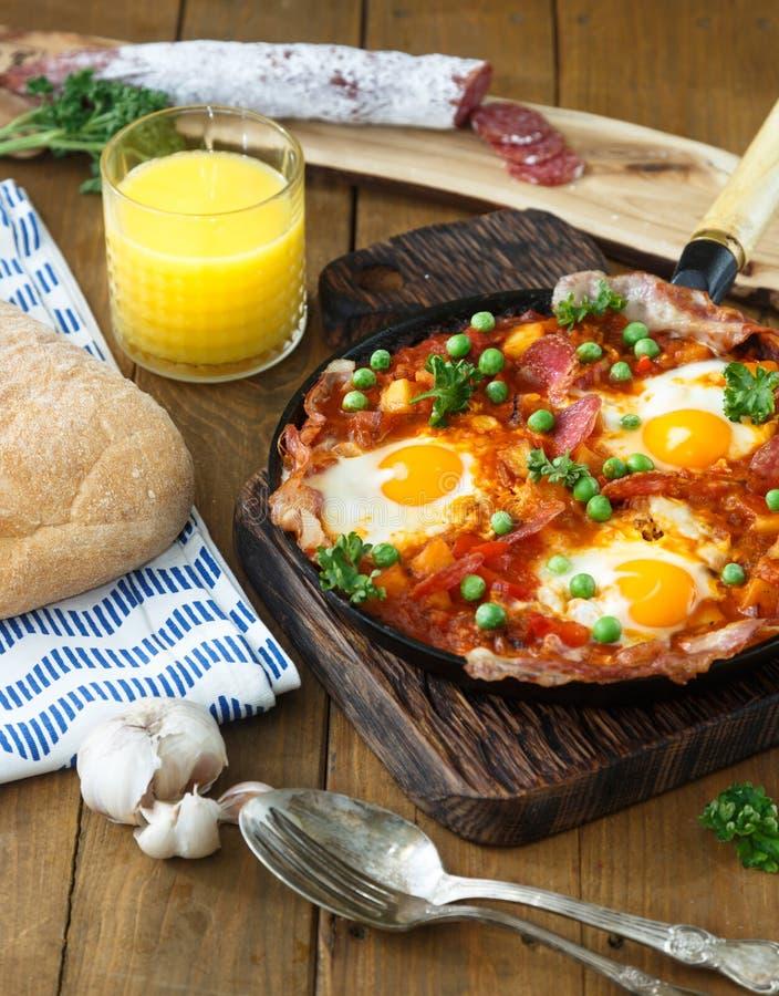 Il flamenco eggs, huevos un flamenca della La, cucina andalusa spagnola fotografie stock
