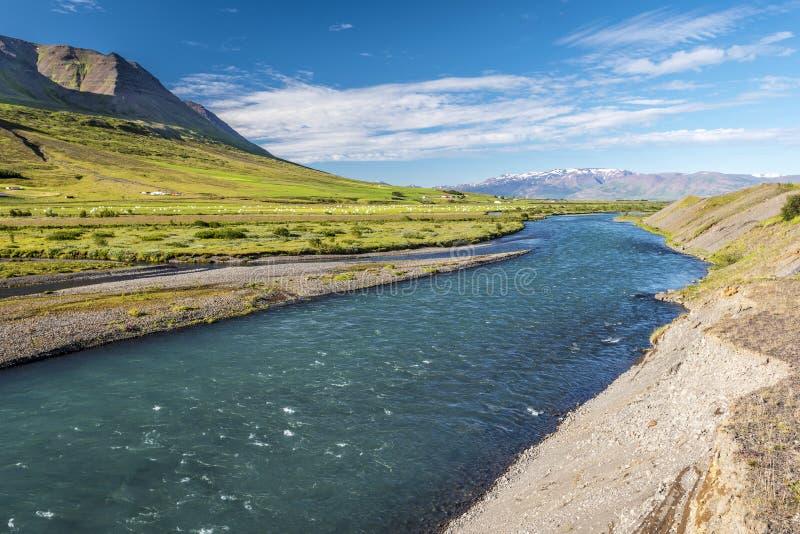 Il flusso del fiume di Horga nel comune di Horgarsveit dell'Islanda centrale del nord, immagine stock