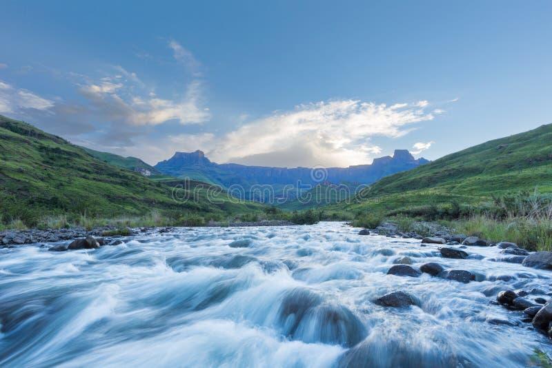 Il flusso del fiume di Tugela digiuna immagini stock libere da diritti