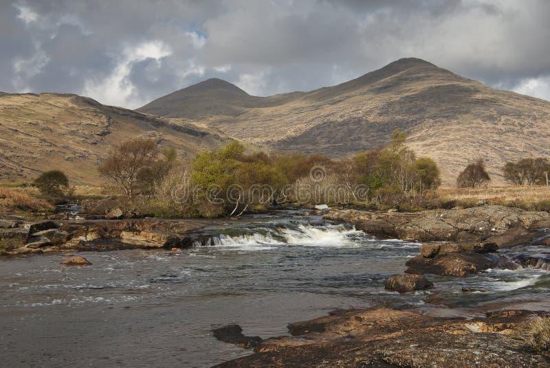 Il flusso della montagna sull'isola di sciupa fotografia stock libera da diritti