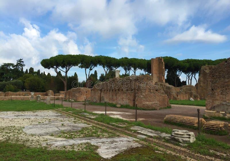 Il forum era il centro di vita quotidiana a Roma fotografia stock
