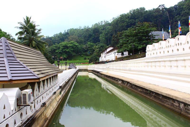 Il fossato intorno a Royal Palace fotografia stock libera da diritti