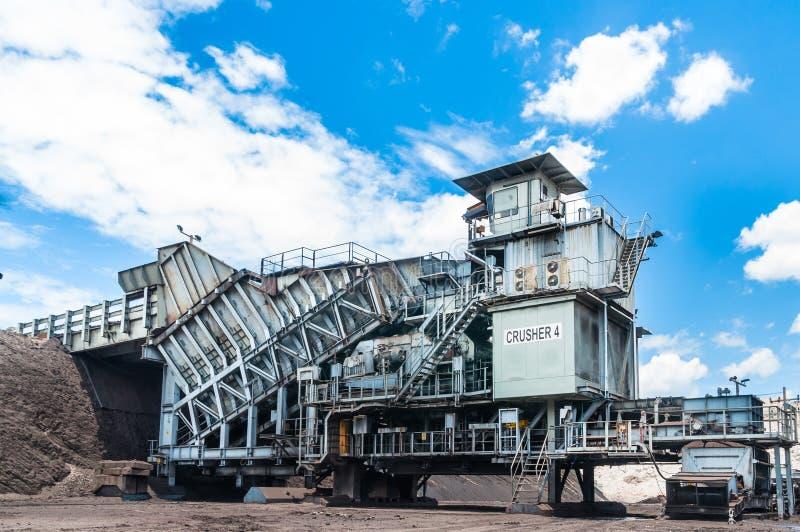 Il frantoio di carbone è macchinario minerario, o attrezzatura mineraria per schiacciare la c immagini stock libere da diritti